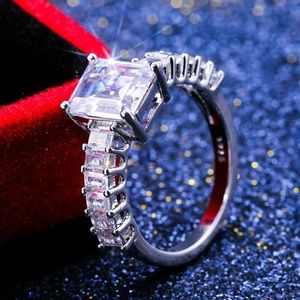 Luxury 925 Silver White Sapphire Ring New